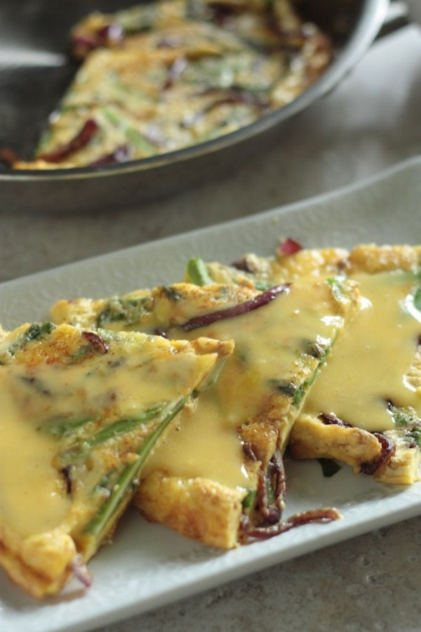 12 Festive Easter Recipes: Asparagus and Balsamic Glazed Onion Fritatta | OnceAMomAlwaysAMom.com